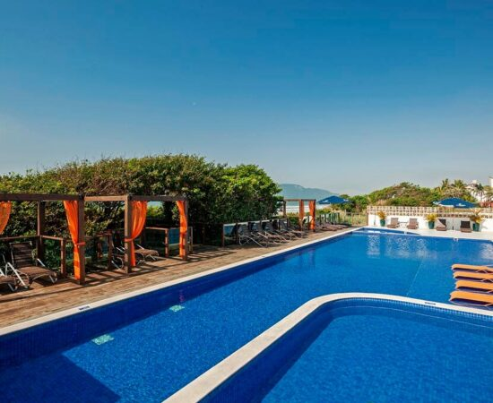 hotel-slaviero-ingleses-convention-piscina-2-2